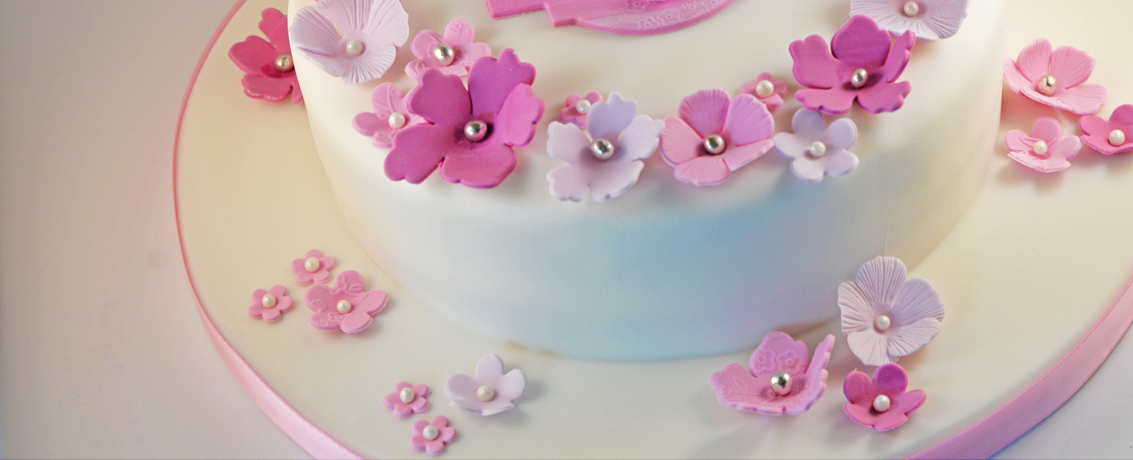 Judith Bond Cakes Cakes Llandudno Wedding Cakes Birthday Cakes