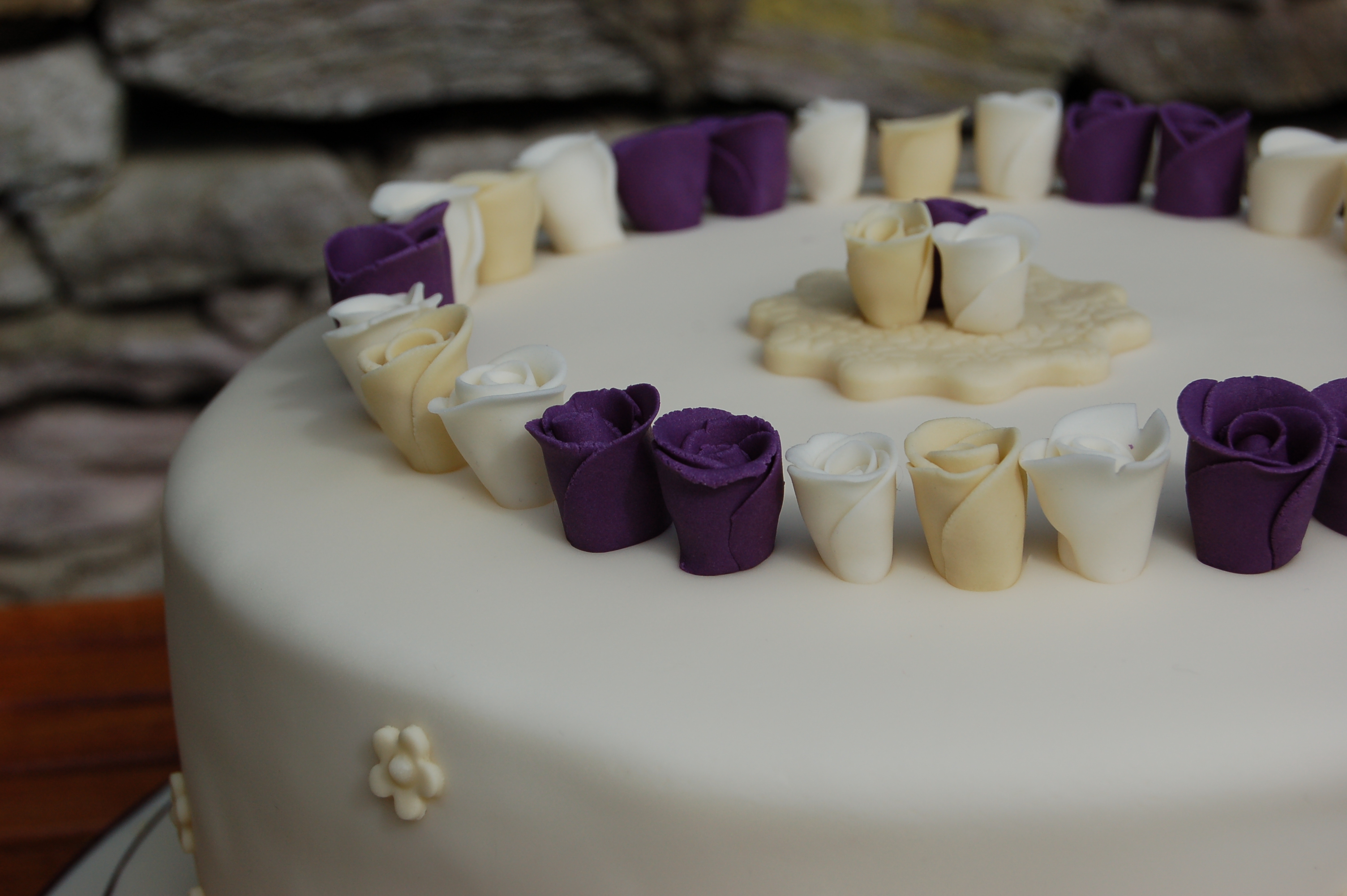 wedding cake courses ireland a wedding cora amp judith bond cakes 22273